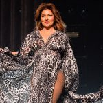 Shania Twain kicks of European tour